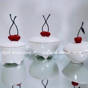Keramikinės dėžutės su bordo vyšniomis