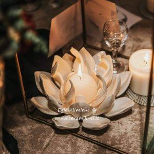 Lotoso žiedo formos keraminis šeimos židinys