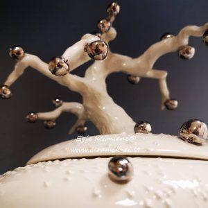 Keramikinė dėžutė su obelimi