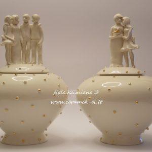 Dovana tėvams - keraminė vaza su figūrėlėmis