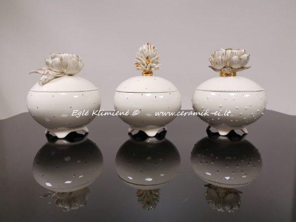 Trys apvalios keramikinės dėžutės